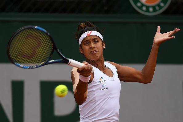 Teliana Pereira contra a número um do mundo/ Foto: Dennis Grombkowski/ Getty Images