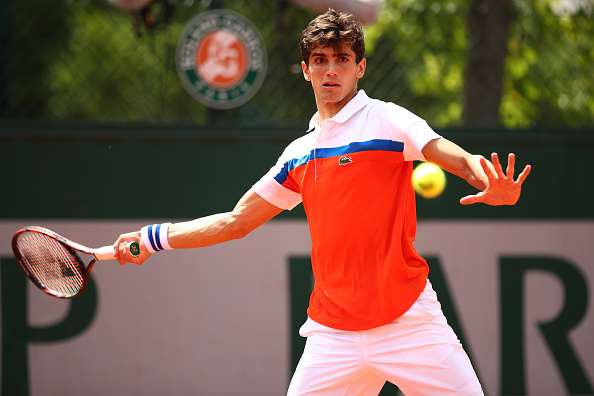 Pierre-Hugues Herbert hits a forehand (Photo: