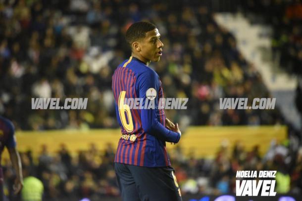 Todibo disputó sus primeros minutos como azulgrana / Foto: Noelia Déniz (VAVEL.com)
