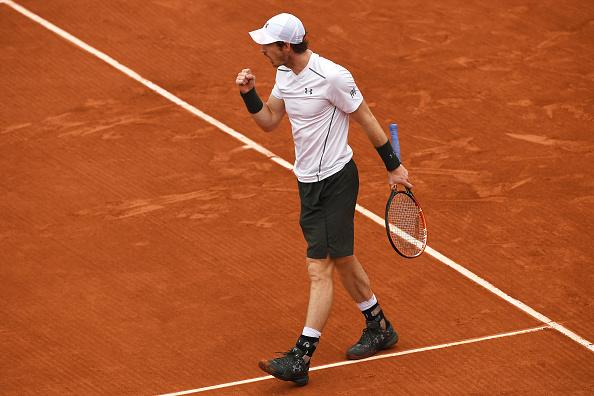 Murray celebra vitória no primeiro set/ Foto: Dennis Grombkowski/ Getty Images