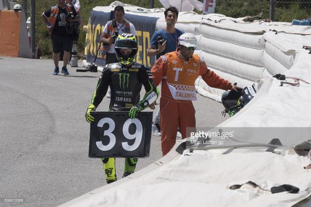 Pol Espargaro laying #39 board at turn twelve after MotoGP race - Getty Images