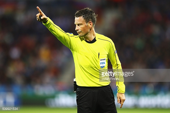 Mark Clattenburg é o árbitro da final