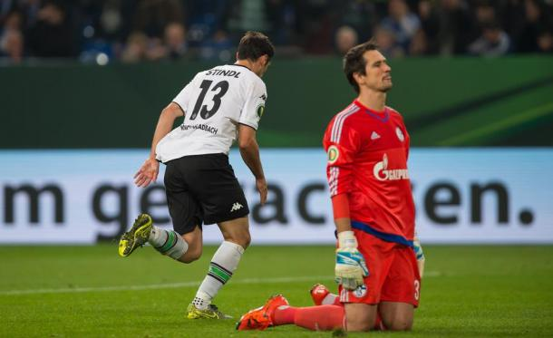 Gspurning concedes to Gladbach's Lars Stindl in his only Schalke appearance   Photo: Ruhr Nachrichten/dpa