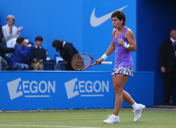 The Spaniard stuck with her game plan as she takes the first set | Photo: Steve Bardens/Getty Images