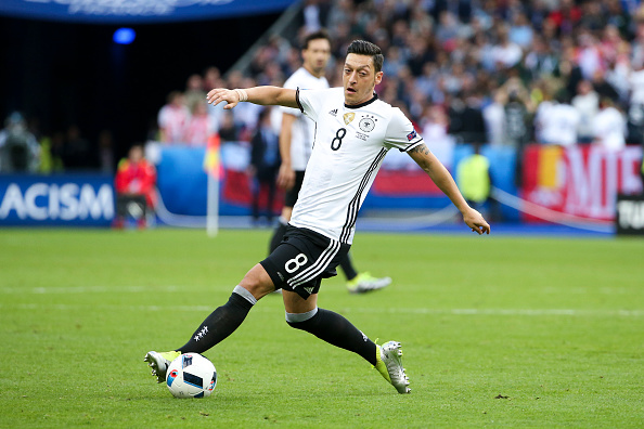 Mesut Ozil we be tasked with opening up the Northern Ireland defence | Photo: Catherine Steenkeste