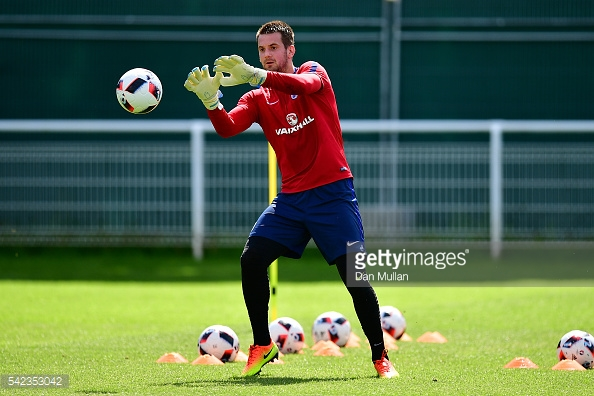 Heaton is hoping to dislodge Joe Hart as England's number one (photo: Getty Images)