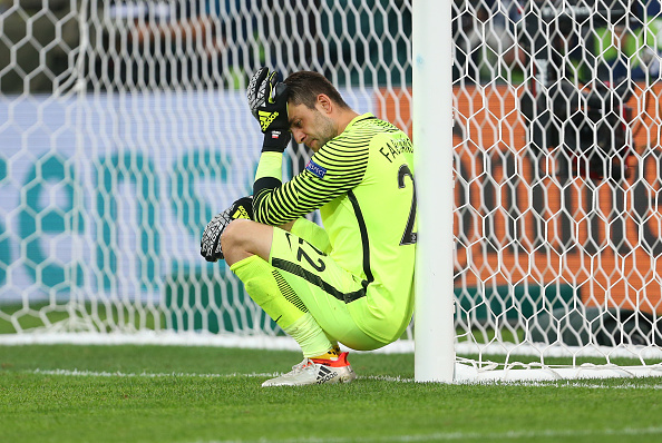 Lukasz Fabianski cannot hide his disappointment after Poland's Euro 2016 exit. (Photo: Catherine Ivill - AMA/Getty Images)