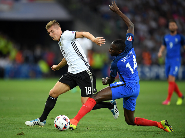 Matuidi fends off Germany midfielder Toni Kroos (photo:getty)