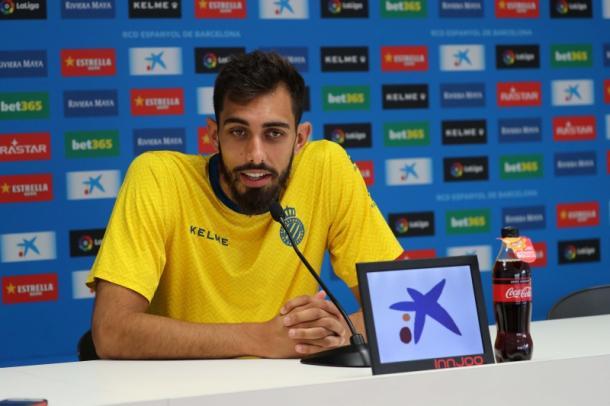 Borja Iglesias durante una rueda de prensa | Foto: rcdespanyol.com