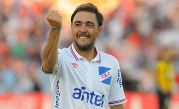 Recoba last played for Nacional in 2015 | photo: taringa.net