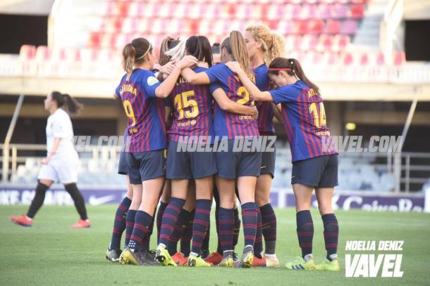 Las jugadoras del Barcelona celebrando el 1-0 de Duggan | Foto: Noelia Déniz (VAVEL)