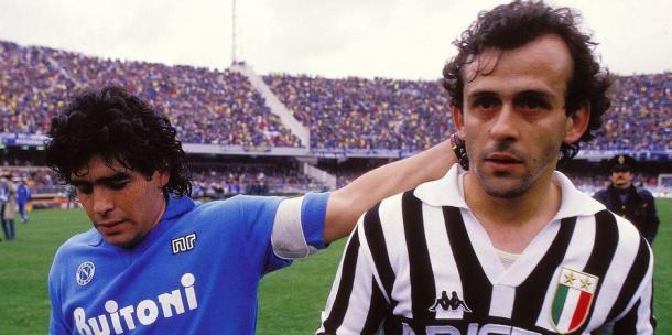 Maradona y Platini protagonizaron uno de los mejores duelos. / Foto: gettyimages