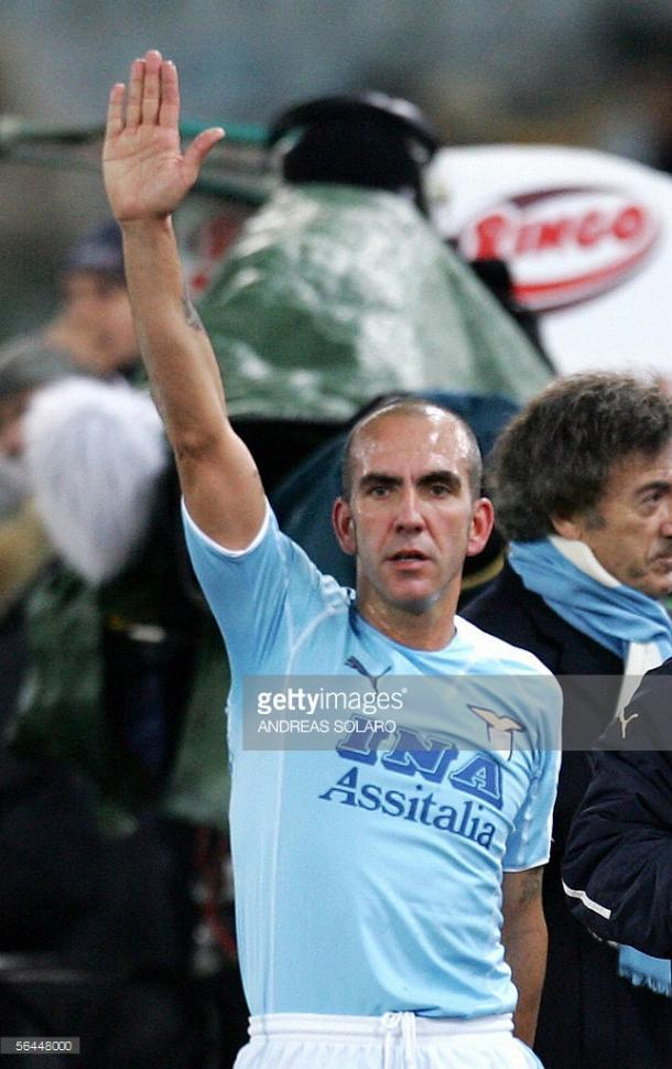 Di Canio haciendo un saludo fascista foto: Getty Images