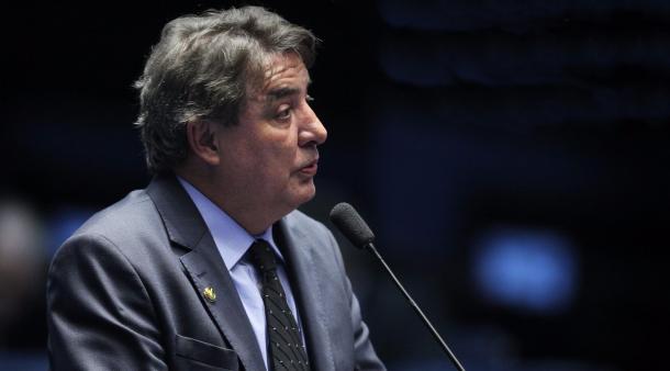 Atualmente senador, Zezé quer voltar ao Cruzeiro. (Foto: Divulgação)