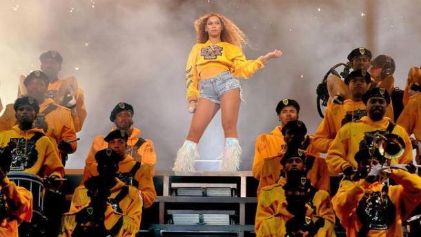 Beyoncé en su actuación en Coachella. Fuente:  nbcphiladelphia