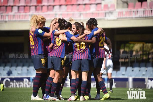 Las jugadoras del FC Barcelona celebrando uno de los goles ante el Sevilla. FOTO: Noelia Déniz