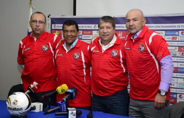 De izquierda a derecha: Elkin Sánchez (PF), Nélson Gallego (AT), Édgar 'Panzer' Carvajal (AT), Hernán Darío 'Bolillo' Gómez (DT) I Foto: El Siglo Panamá