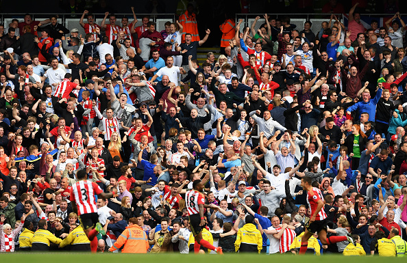 Jermain Defoe celebrating his goal in Sunderland's 2-1 defeat to Manchester City | Photo: Getty Images
