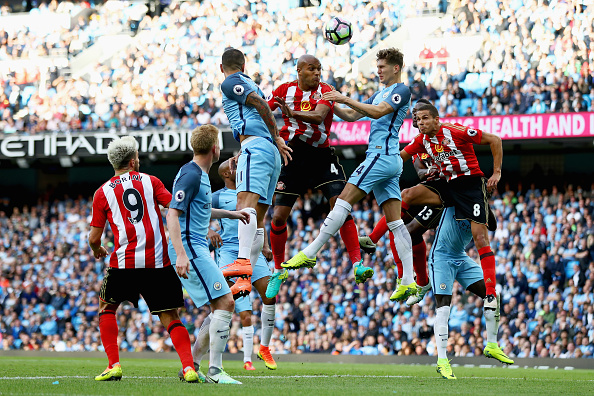 Younes Kaboul in action during Sunderland's 2-1 defeat to Manchester City | Photo: Getty Images