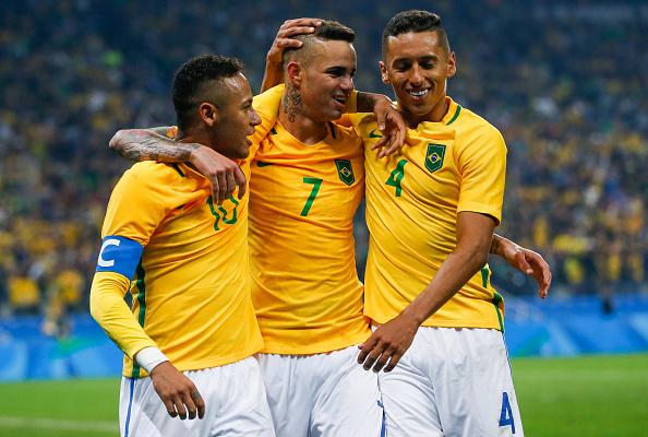 Luan comemorando seu gol diante da Colombia (Foto: Getty Images)