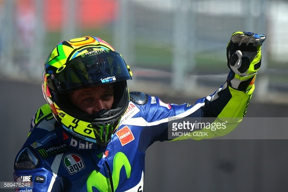 Rossi addressing his fans - Getty Images