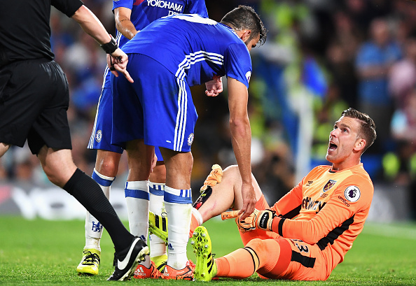 Above: Diego Costa talking a frustrated Adrian in West Ham's 2-1 defeat to Chelsea | Photo: Getty Images