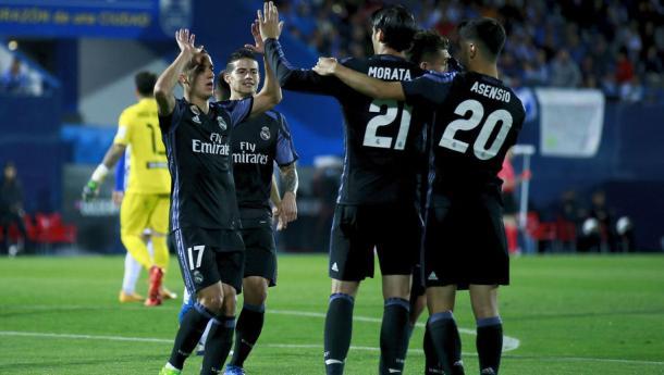 Tutto il Real a complimentarsi con Morata. Fonte foto: 90min.com