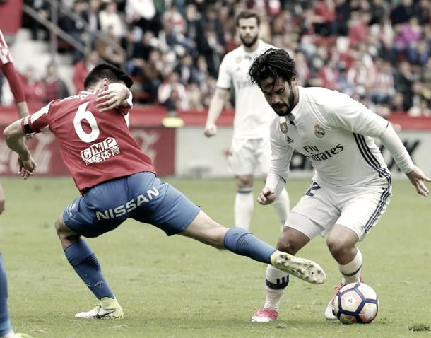 Isco dejando atrás a un defensa sportinguista | Foto: Twitter Real Madrid