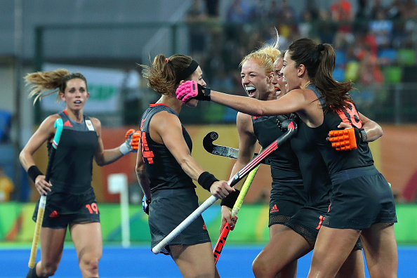 Maartje Paumen gives the Dutch a 2-1 lead (photo:getty)