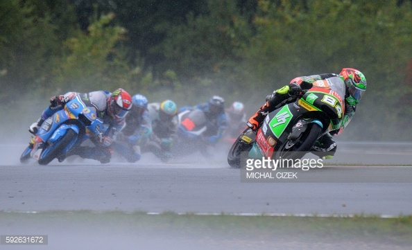 Kornfeil tries to pull away - Getty Images