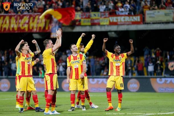 El Benevento festeja su ascenso | Foto: Benevento Calcio