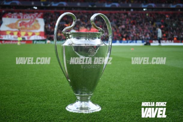 La Champions presidía el partido en Anfield | Foto: Noelia Déniz - VAVEL