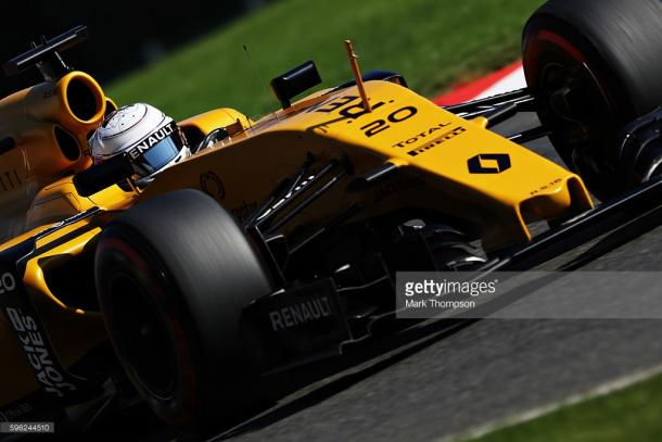 Kevin Magnussen suffered a heart-stopping smash.   Photo: Getty Images/Mark Thompson
