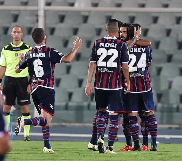 Crotone celebrate their first in the top flight | Photo:  Giuseppe Bellini/Getty Images