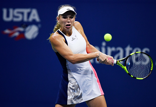 Caroline Wozniacki plays a return shot to Angelique Kerber during the US Open (Photo: Mike Hewitt/Getty Images)
