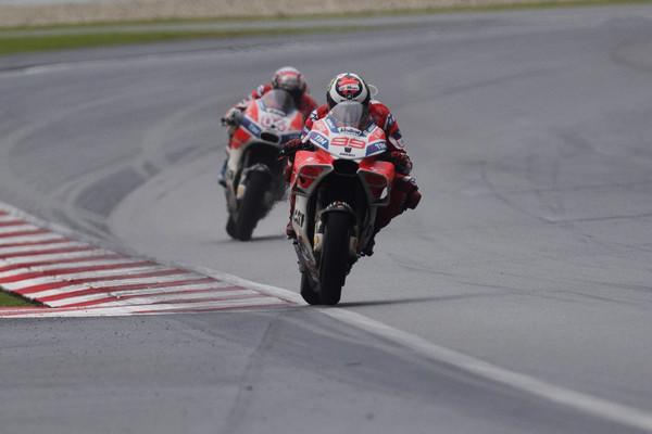 Las Ducati en pista. Foto: zimbio