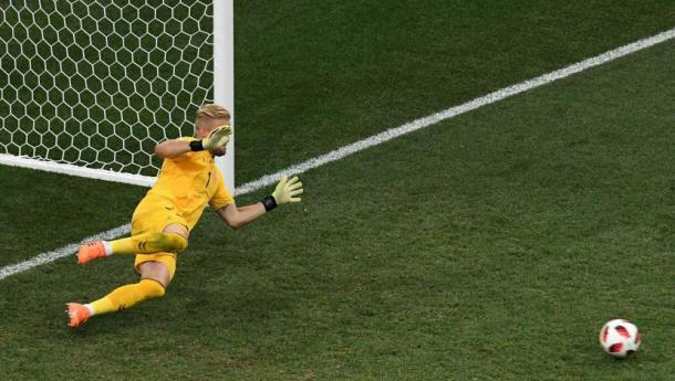 Schmeichel le tapó un penal a Modric en el tiempo extra. Foto: El Comercio