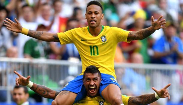 Neymar y Paulinho en Rusia 2018. Fuente: Selección Brasil