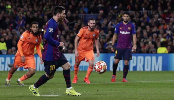 Messi y un golazo de penal  Foto: Trome
