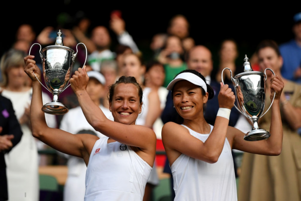 Hsieh and Strycova with their Wimbledon trophies | Photo: Shaun Botterill