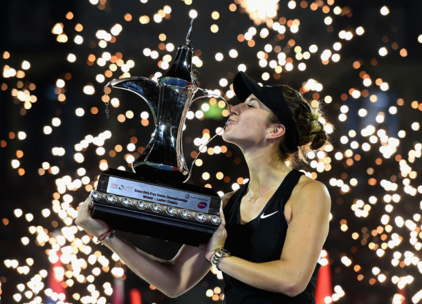 Belinda Bencic with her Dubai title | Photo: Tom Dulat