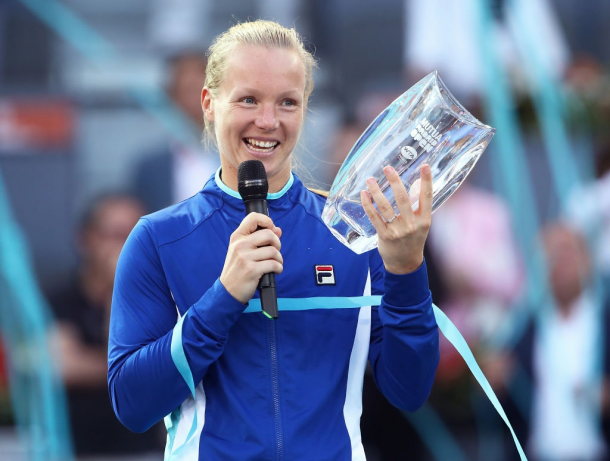 Kiki Bertens with the biggest title of her career | Photo: Julian Finney