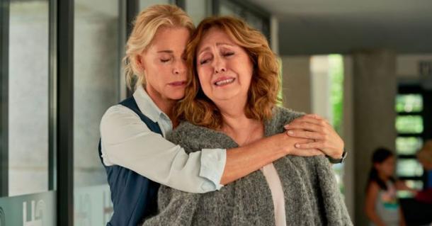 Belén Rueda y Carla Díaz en 'Madres'. Amazon Prime Video