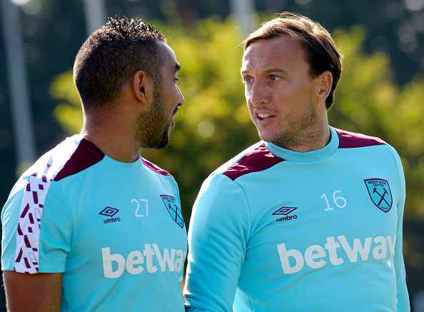 Above: Dimitri Payet in training ahead of West Ham's game with Watford | Photo: Getty Images