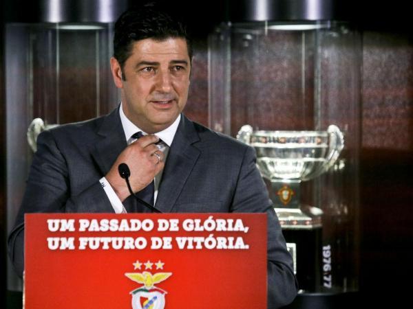 """Rui Vitória na sua apresentação disse que """"vou dar a minha vida pelo SL Benfica"""" (Foto; Mais Futebol)"""