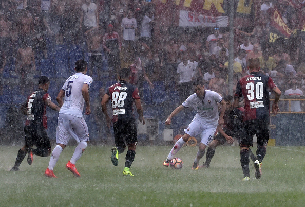 Torrential rain turned into a hailstorm and left officials with no option but to postpone | Photo: Getty Images