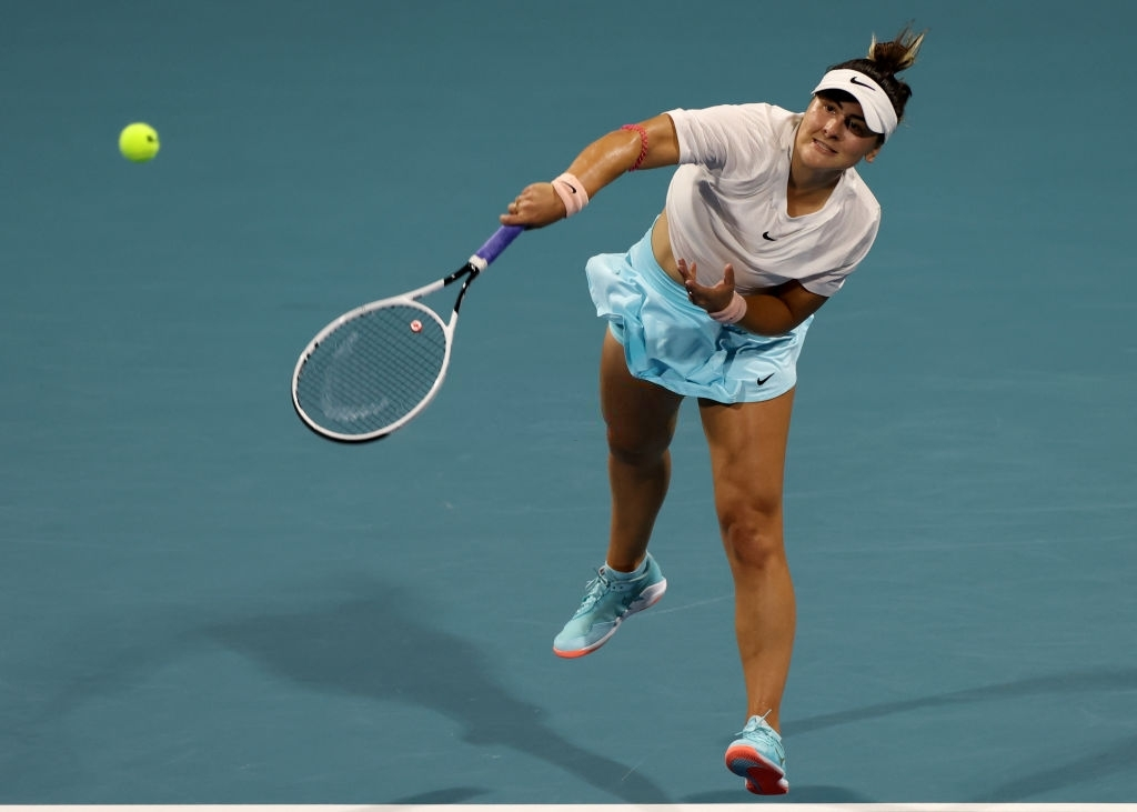 Andreescu serves en route to her three-set epic victory over fellow young gun Amanda Anisimova. Photo: Mark Brown