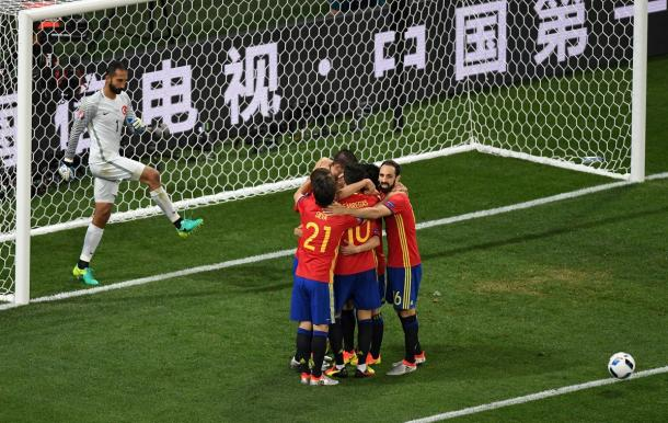 Spain celebrate Morata's goal just after half-time (Photo: Getty Images)