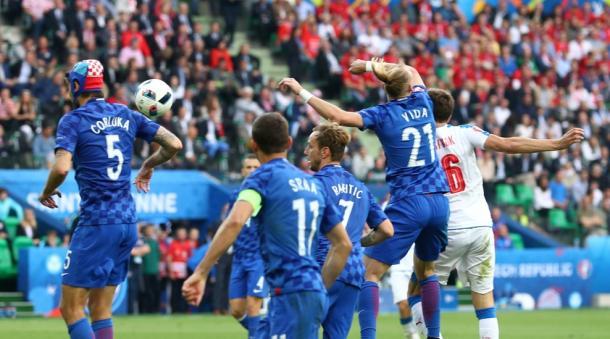 Il fallo di mano commesso da Vida. Fonte foto: it.uefa.com
