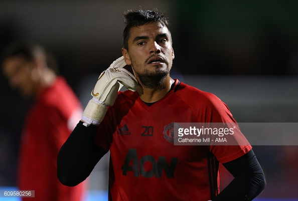 Above: Sergio Romero training ahead of Manchester United's 3-1 win over Northampton Town | Photo: Getty Images